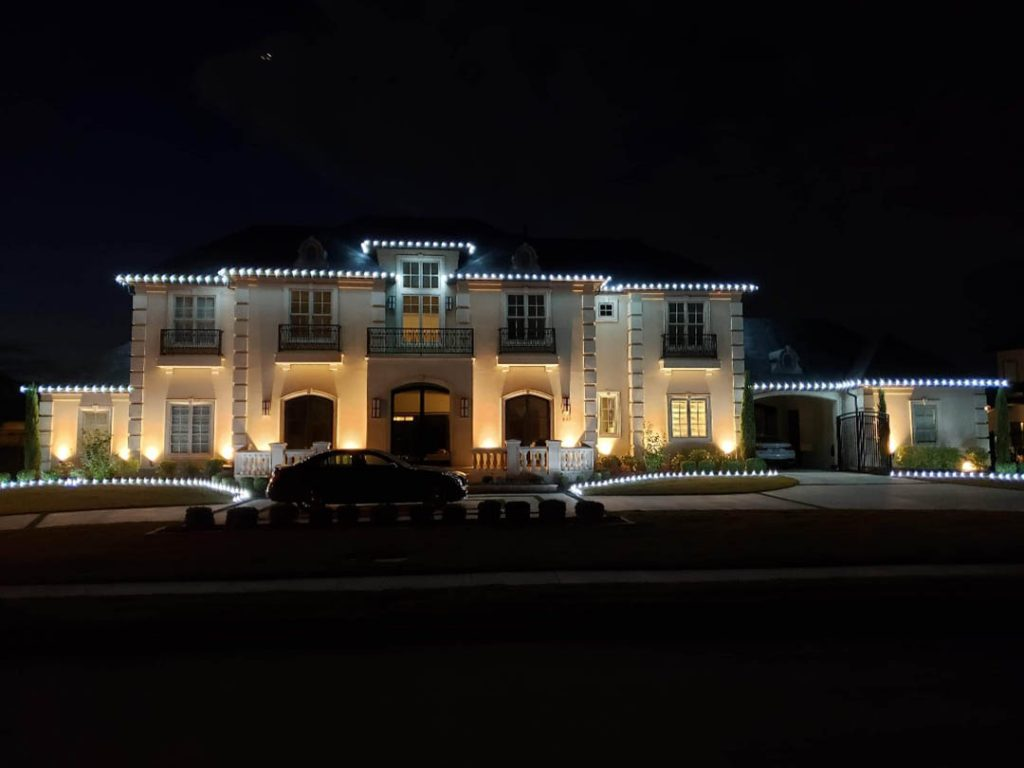Pro Christmas Light Installation: An Illuminating Time Saver