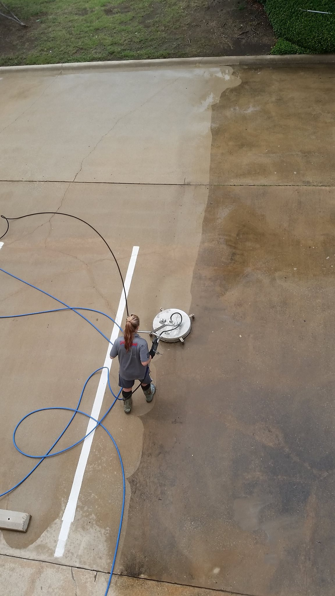 3 Benefits Of Hiring A Professional To Do Your Driveway And Sidewalk Pressure Washing